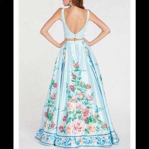 Two-piece Alyce pairs proms dress!
